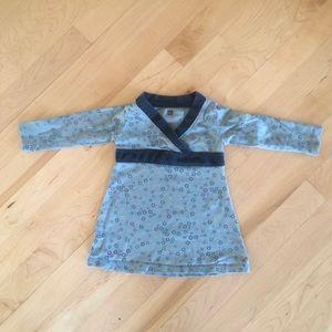 Tea Long-sleeved Dress